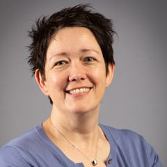 Headshot of January webinar presenter, Niamh Lewis