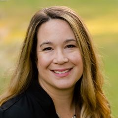Headshot of webinar presenter Sarah Ikenberry